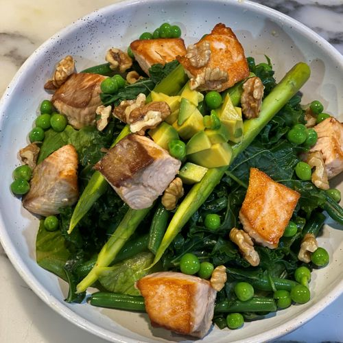 Healthy Salmon Bowl