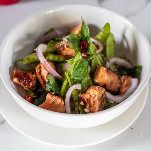 Spicy Waimakariri Grilled Salmon Salad