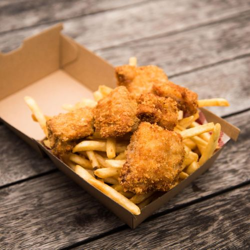 Chicken Nuggets & Fries (6pc)